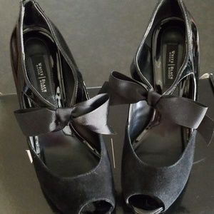 White House Black Market Shoes - White House Black Market Shoes Size 6.5